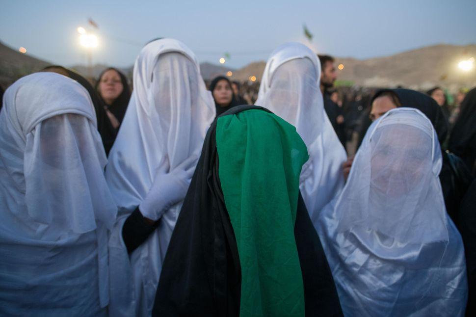 Girls belonging to Imam Hussein´s household, Tazieh, Khorramabad