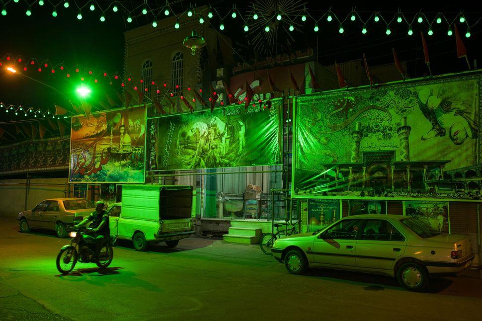 Green mood, Kashan