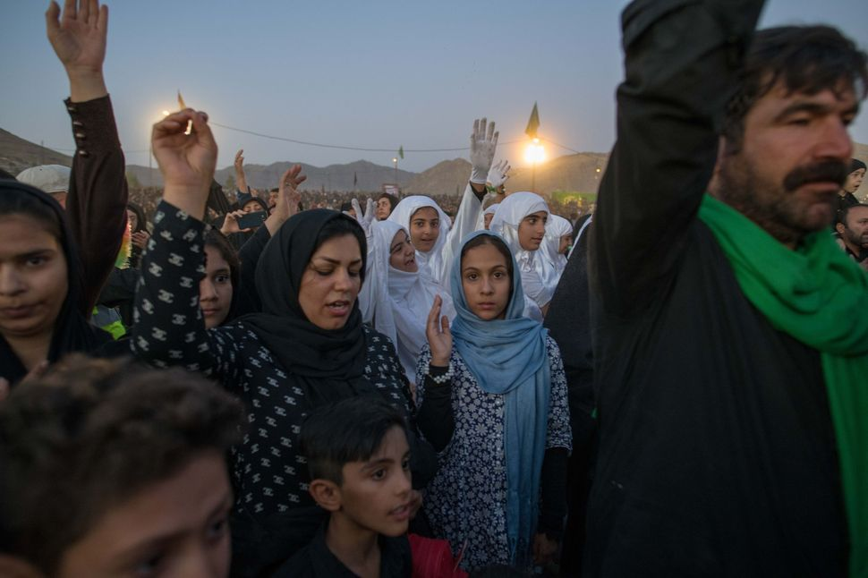 Ya Hossein chants after the performance, Tazieh, Khorramabad