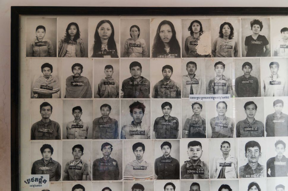 Tuol Sleng Genocide Museum - Photos of prisoners