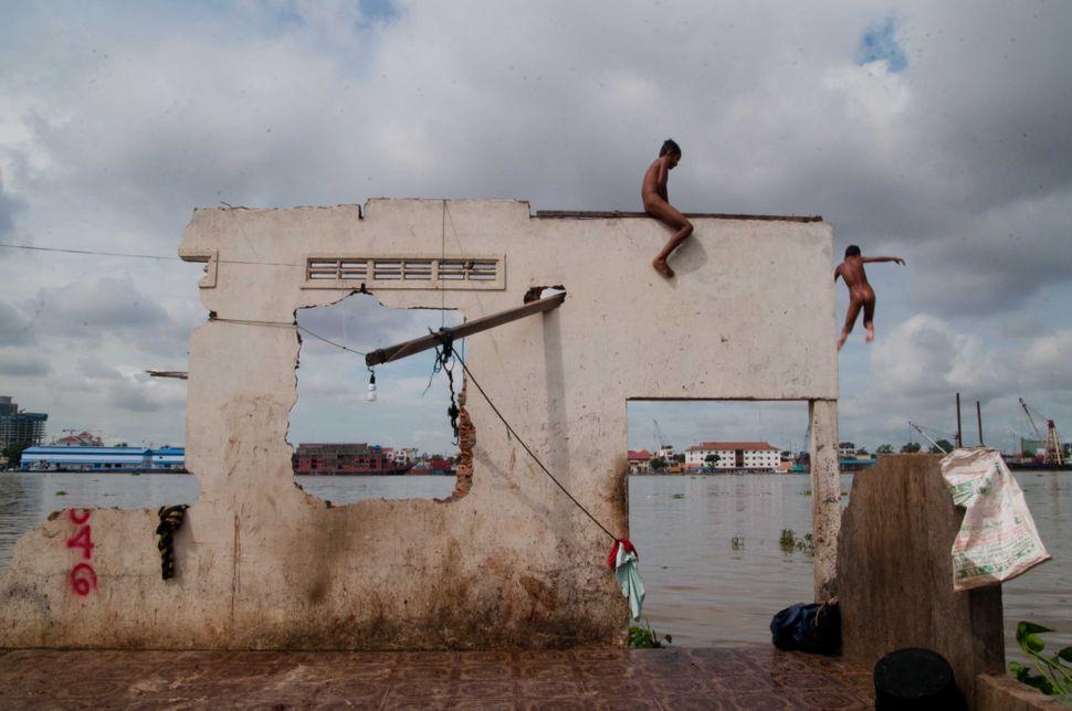 Bathing in the Mekong 4