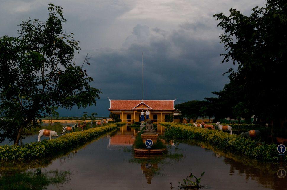 Flooded school, Preak Leap, 6
