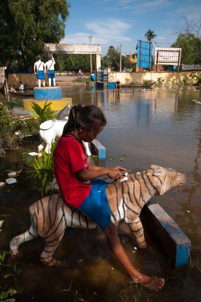 Flooded school, Preak Leap, 9