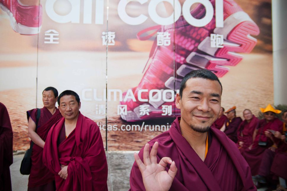 Qinghai monks on Nanjing Lu, 2
