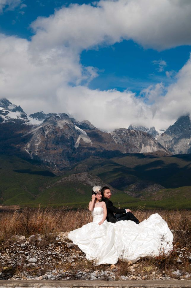 Bridal couple, near Lijiang