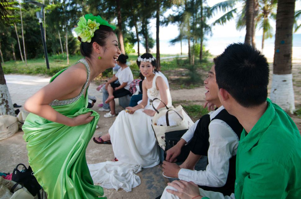 Bride in green, Sanya