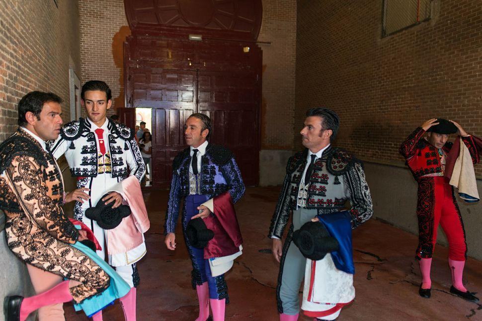 Jesus Duque with banderilleros/picadores