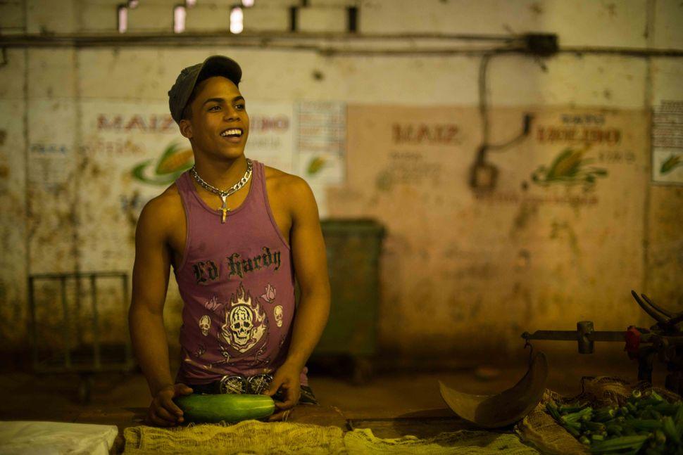 Cucumber vendor, Maret near Barrio Cerro