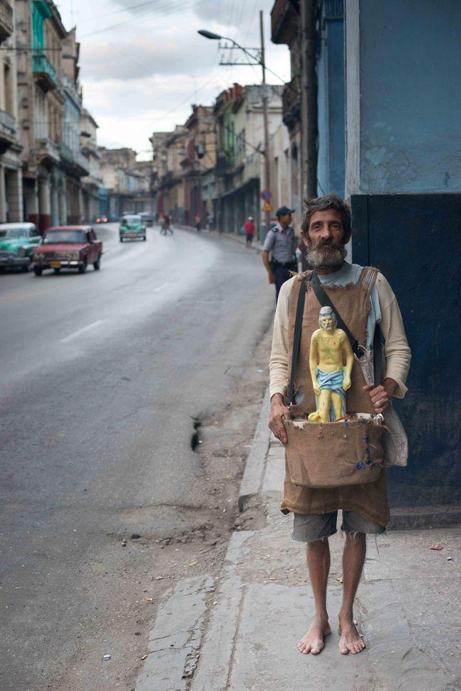 Havana beggar 2
