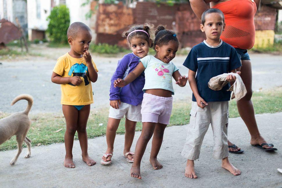 La Reina neighbourhood, Cienfuego - Children