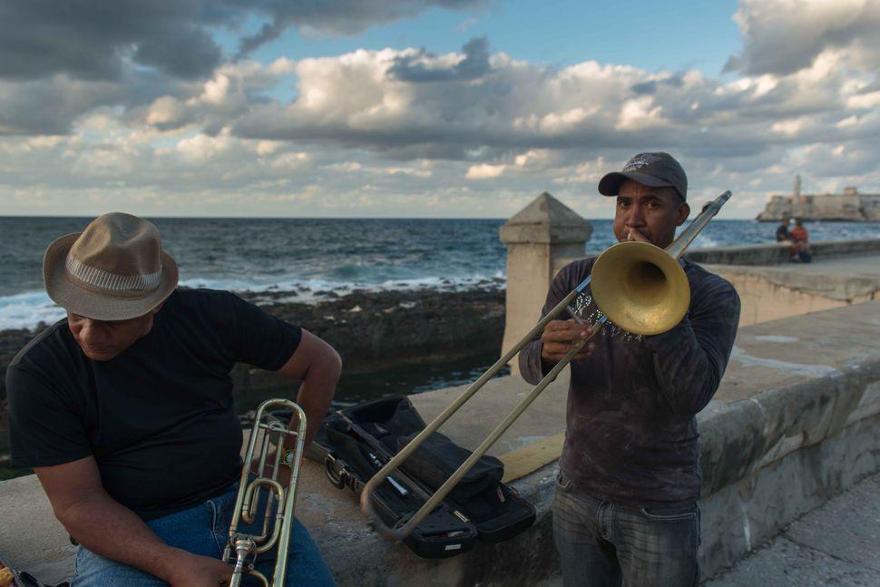 Malecon musicians 3