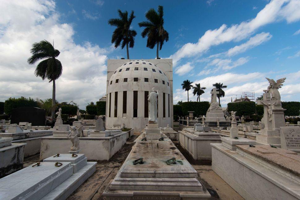 Necropolis Colón 2