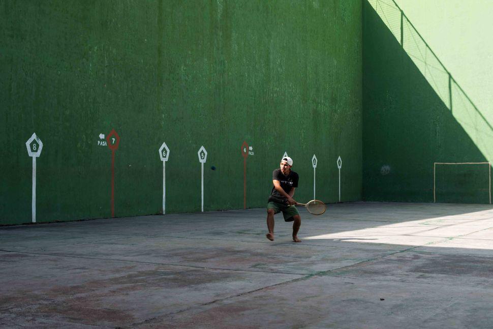 Tennis player, Cienfuegos