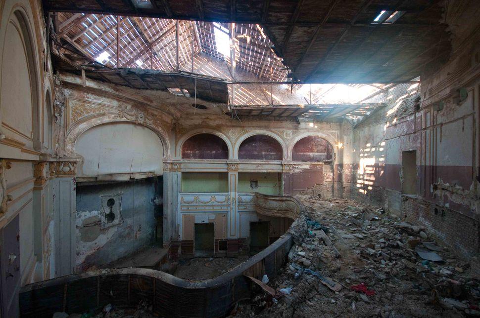 1st balcony (4)