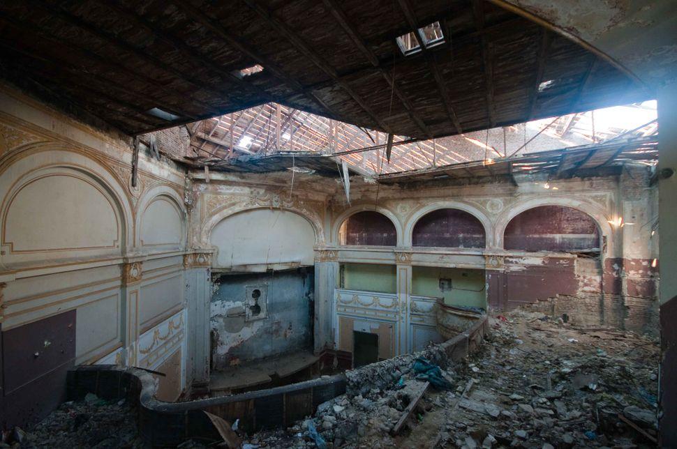 1st balcony (2)