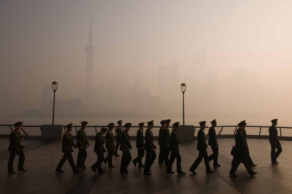 Soldiers on the Bund promenade 2