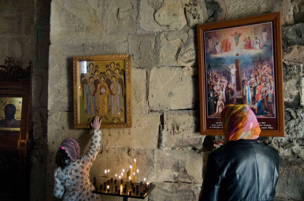 Touching the icon, Jvari monastery