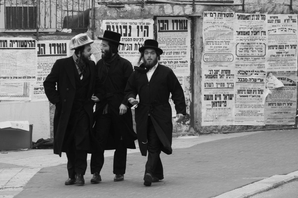 Shabbat good mood in Mea Shearim