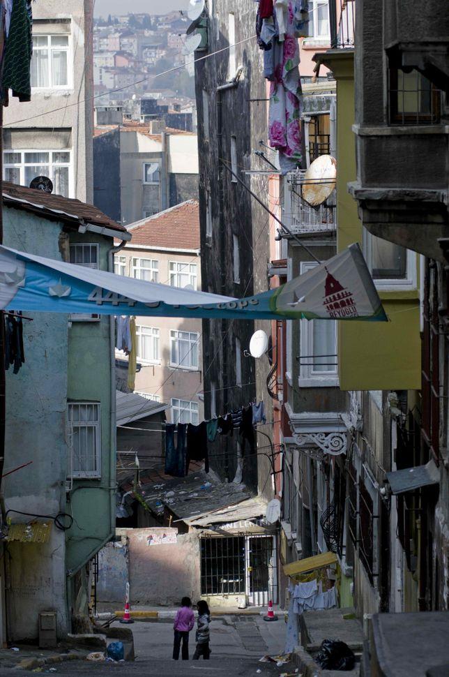 Narrow streets 1