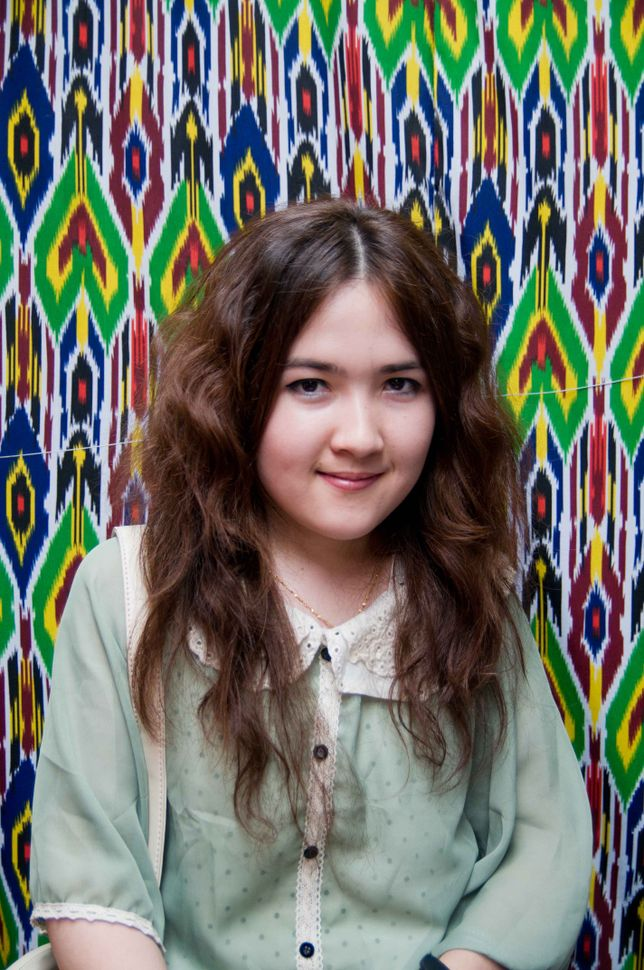 Uyghur girl, Kashgar market