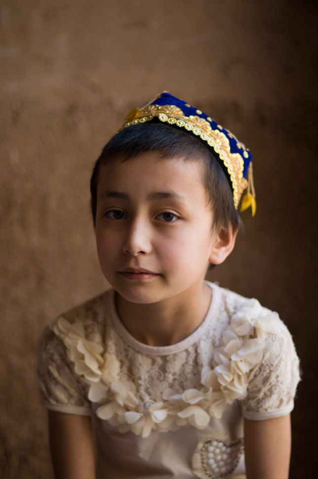 Young Uyghur girl, Kashgar old town