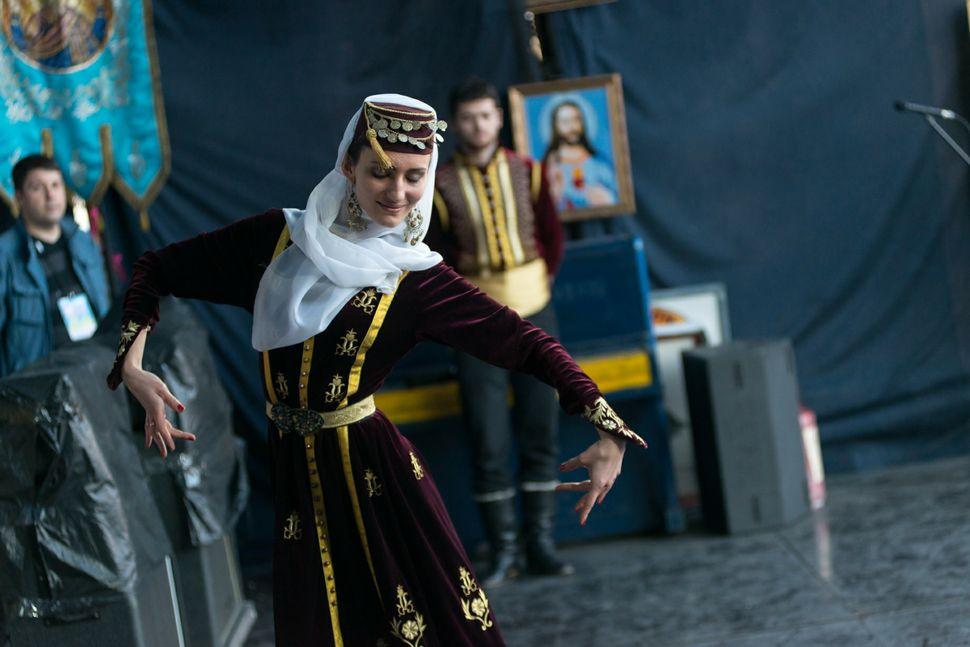 46 - Tatar dancer