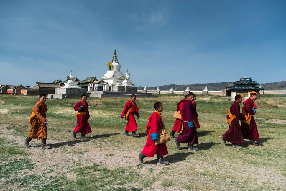 Erdene Zuu Monastery - Young monks 2