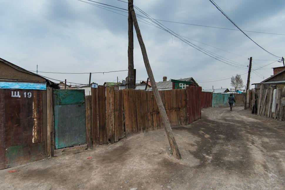 Ulan Bator - Street near Gandam Monastery