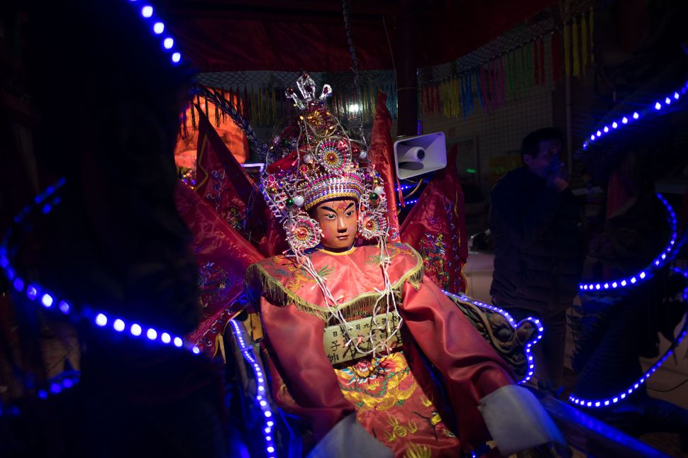 Neon Gods - Celebrating Chinese New Year in Xiahu, 22.02.2019