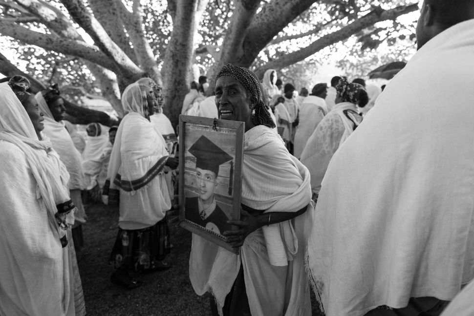 Funerals of old woman, Lalibela, 2