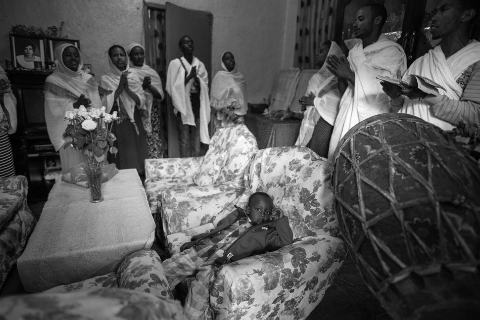 Prayer in private home, Addis Abeba