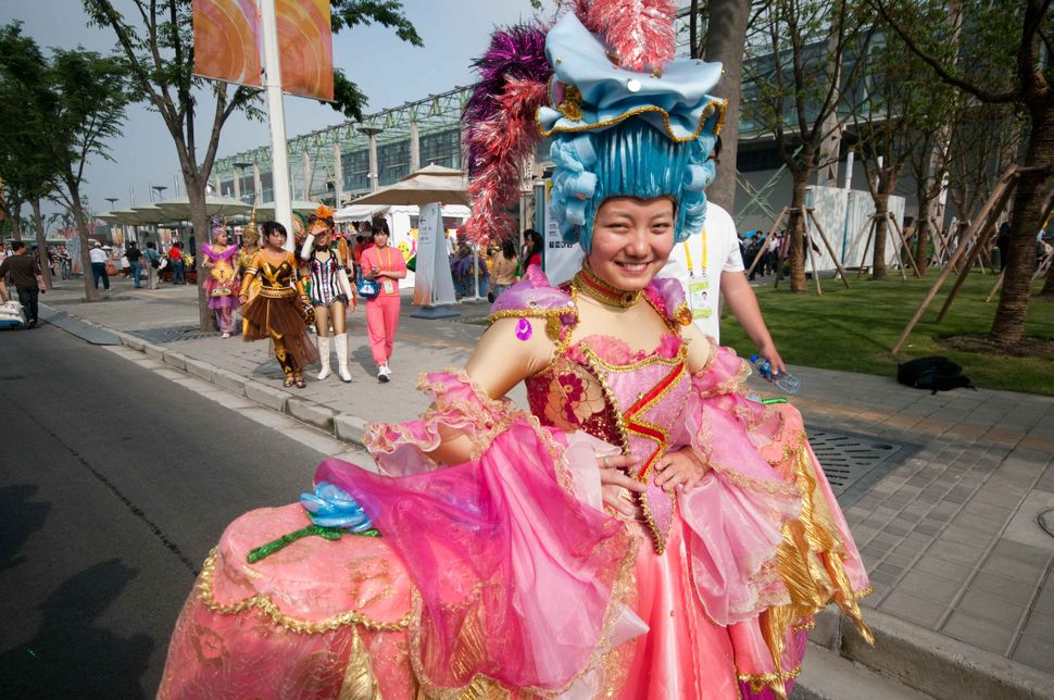 Ready for the parade - Chinese princess