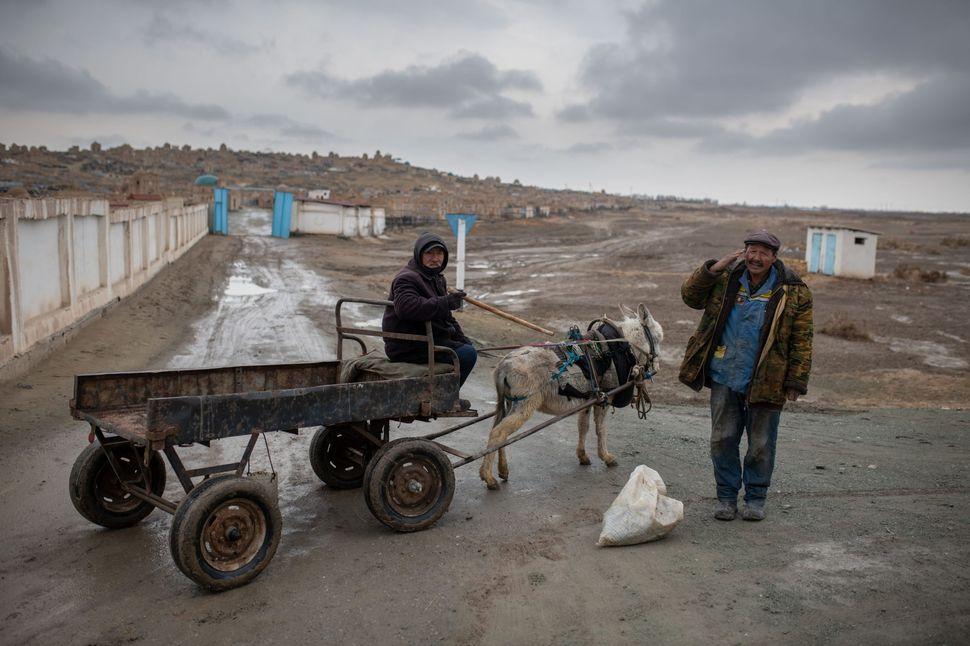 Grave diggers , Mizdakhan