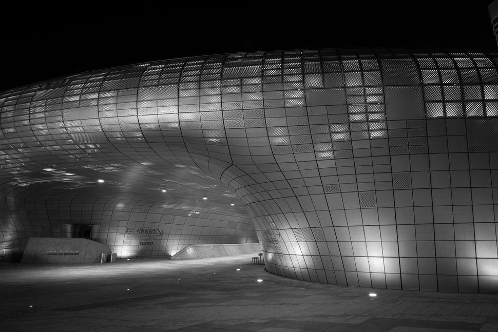 Zaha Hadid´s Dongdaemun Design Plaza